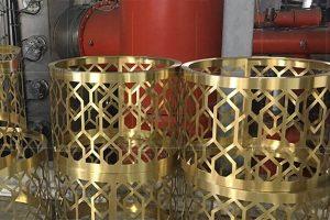 Khung inox mạ vàng: Trải nghiệm các mẫu khung gương inox mạ vàng đẹp