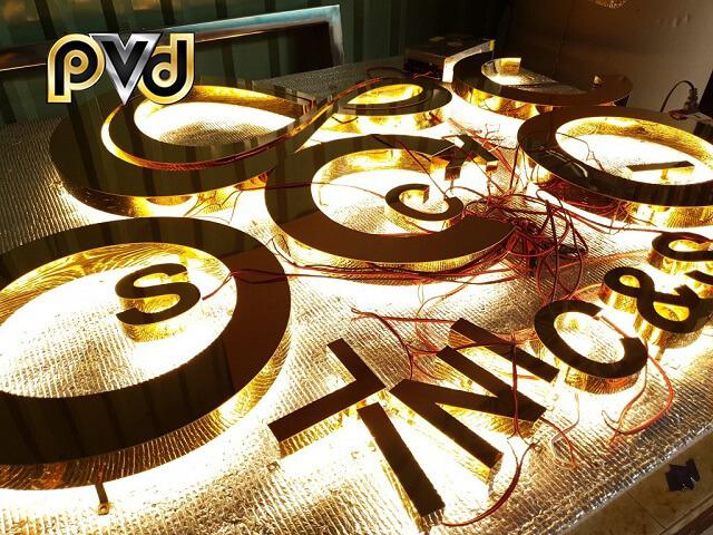 Mẫu chữ nổi từ inox mạ vàng dùng trong quảng cáo