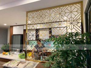 vách ngăn phòng bếp inox mạ vàng